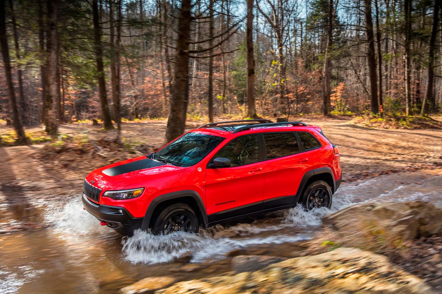 For serious off-road capability, the 2019 Jeep Cherokee's already good off-pavement skills are improved with the Trailhawk model