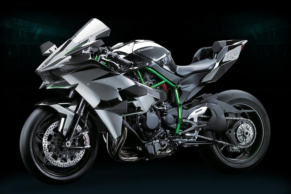 Kawasaki Smashes The Superbike Class With 300 Horsepower