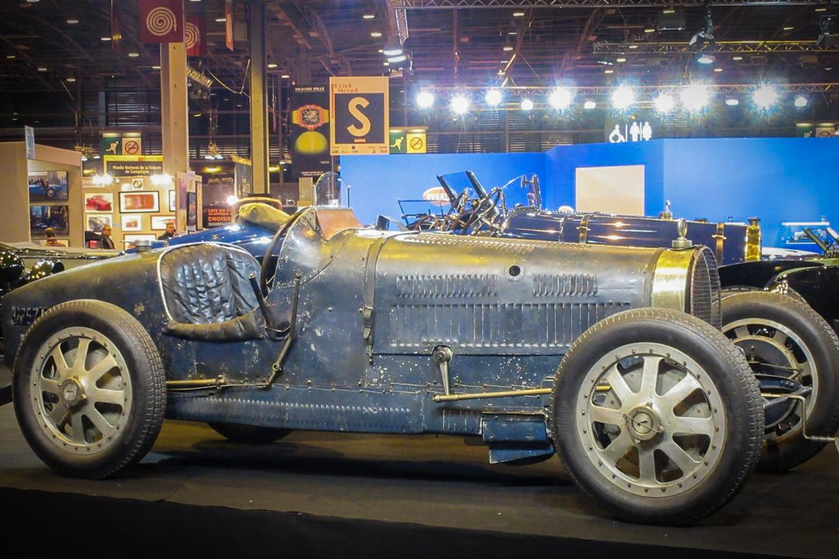 Cite de l' Automobile had several of the museum's  100+ Bugattis on display at Retromobile 2017