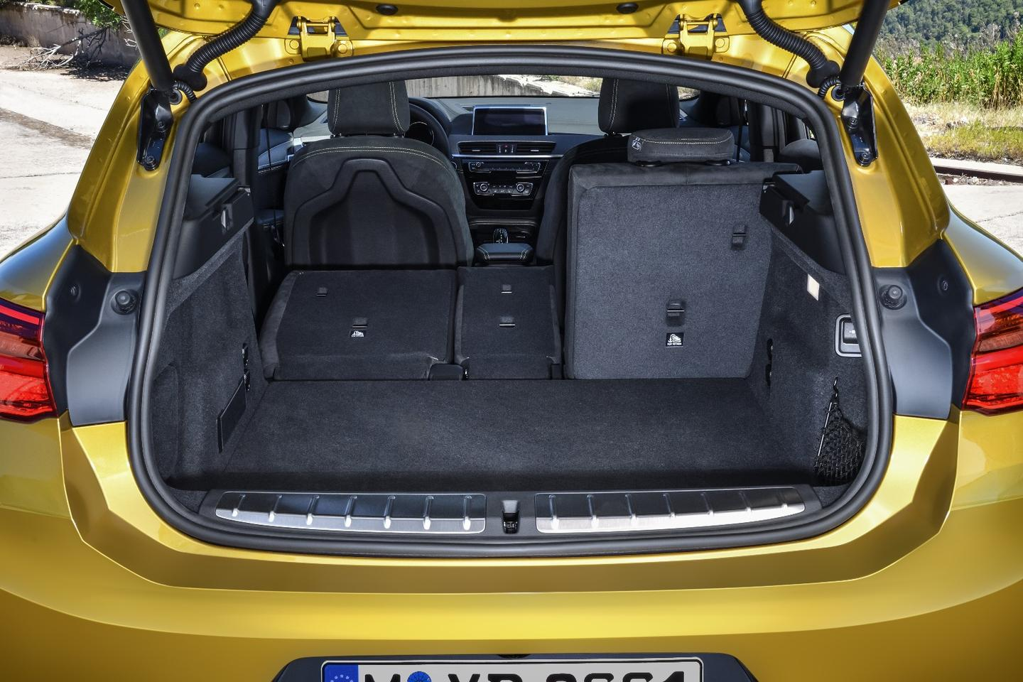 2018 BMW X2: Large 50.1 cubic feet (1419 L) trunk capacity
