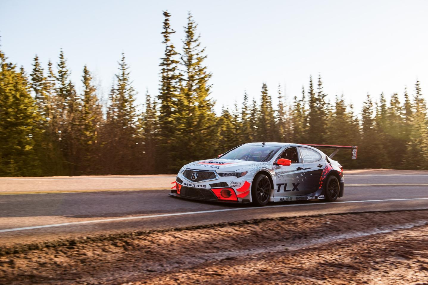 PeterCunningham's second-placed Acura TLX