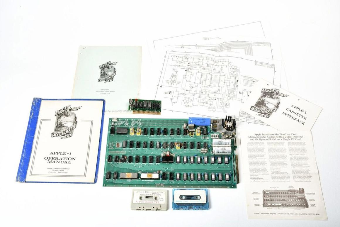 A prototype Apple 1 computer, along with several accessories and documentation, has sold for US$815,000 at auction