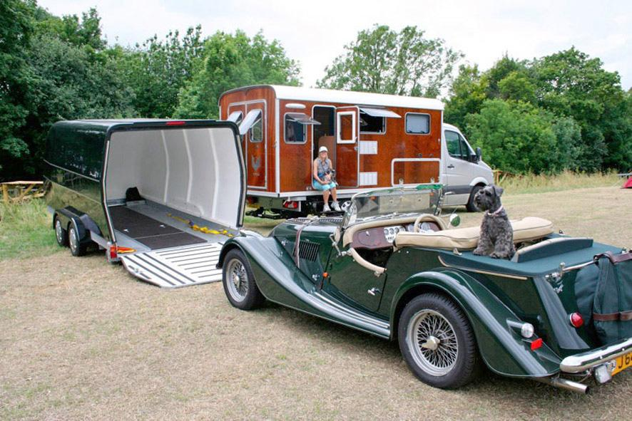 Tonke Fieldsleeper II towing a Morgan