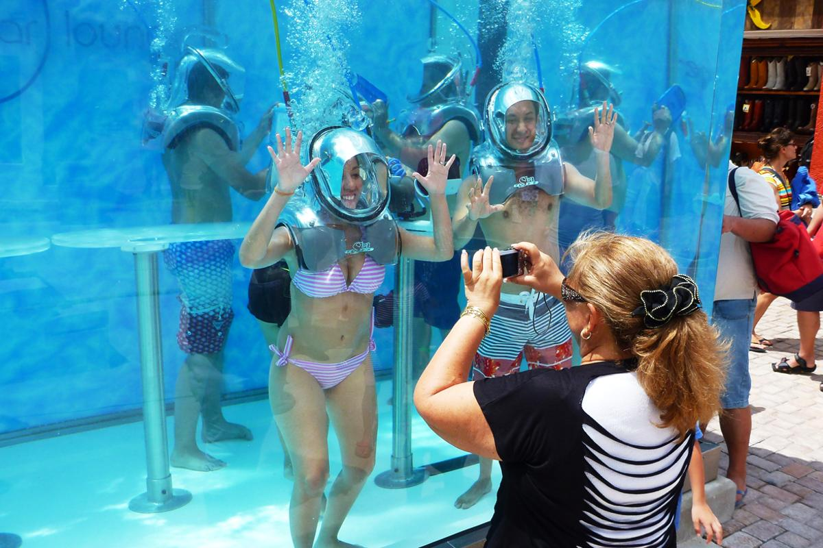 Participants wear special helmets into which scented oxygen is pumped