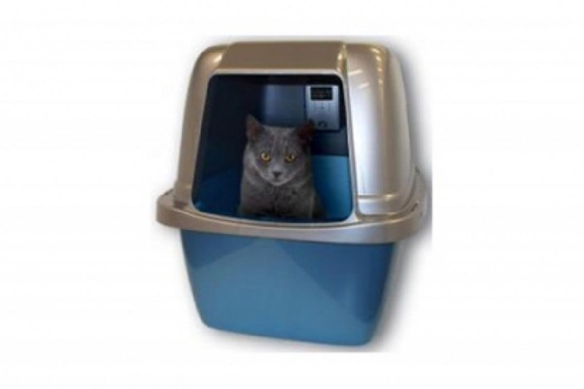 OdorBox eliminates kitty litter odor and keeps bacteria at bay