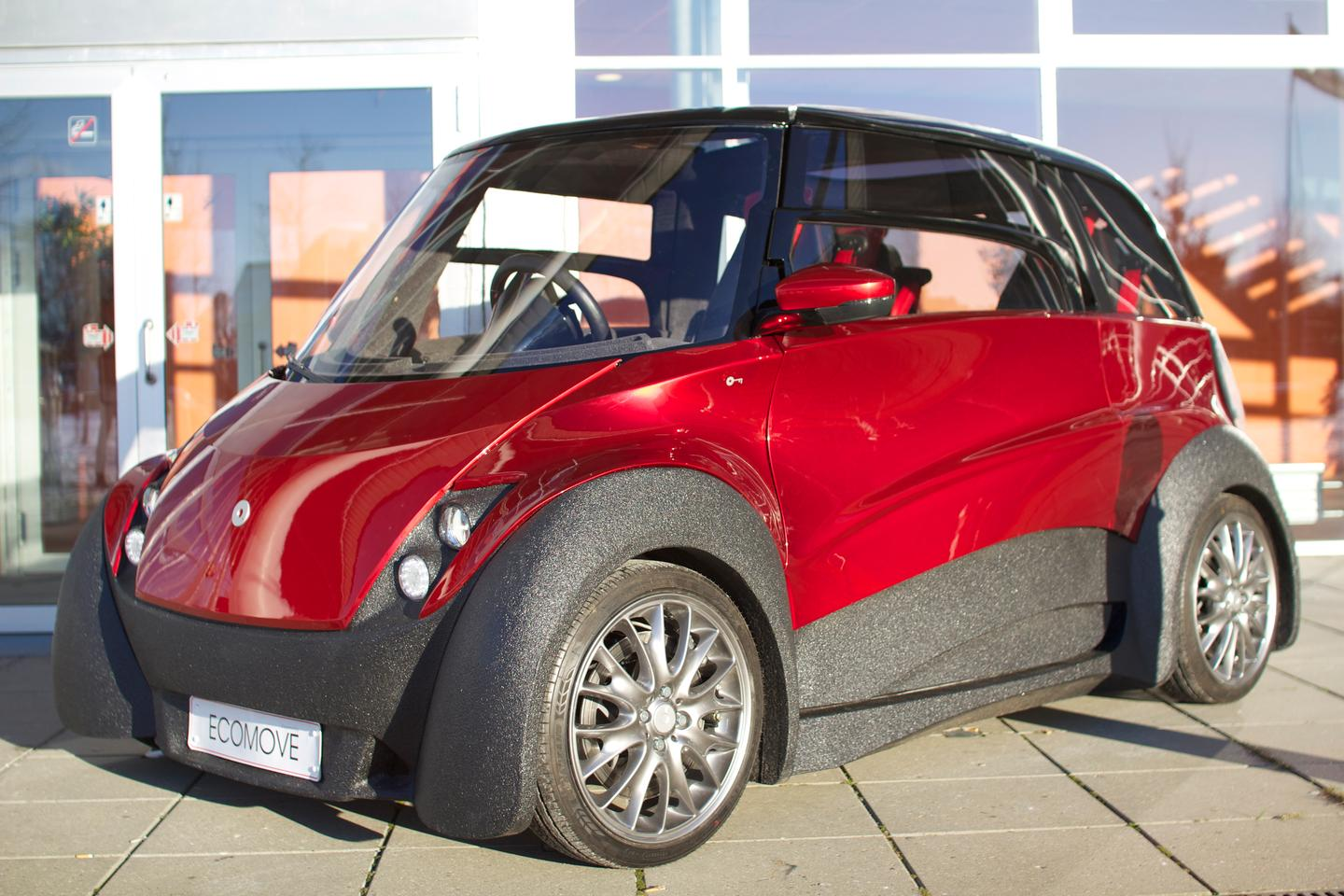 The third prototype of the QBEAK electric car now includes a basic charging structure, along with instrumentation and controls positioned in the center of the steering wheel