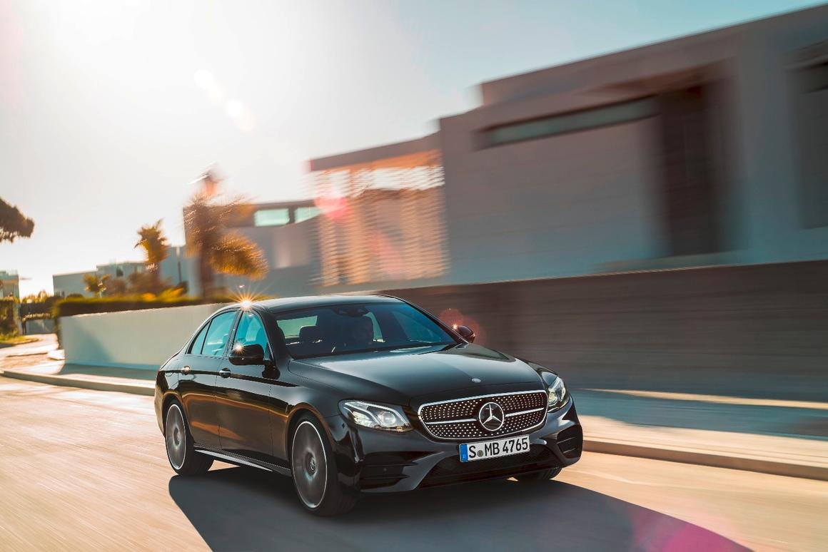 A 34 hp (25 kW) improvement gives the E 43 4MATIC a 0-100 km/h (0-62 mph) time of 4.6 seconds and a top speed of 250 km/h