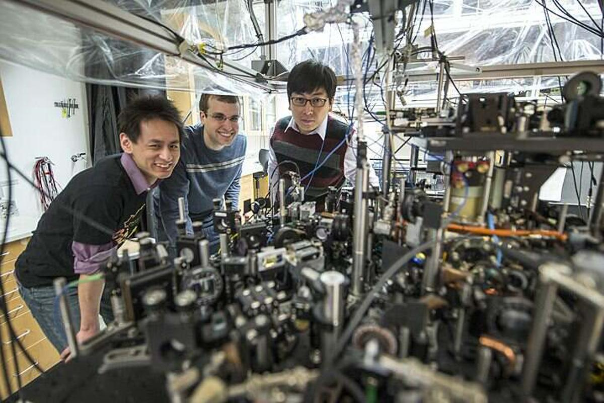 Researchers at the University of California claim to have successfully created a roton structure in an atomic superfluid of cesium-133 (Photo: Rob Kozloff/University of Chicago)