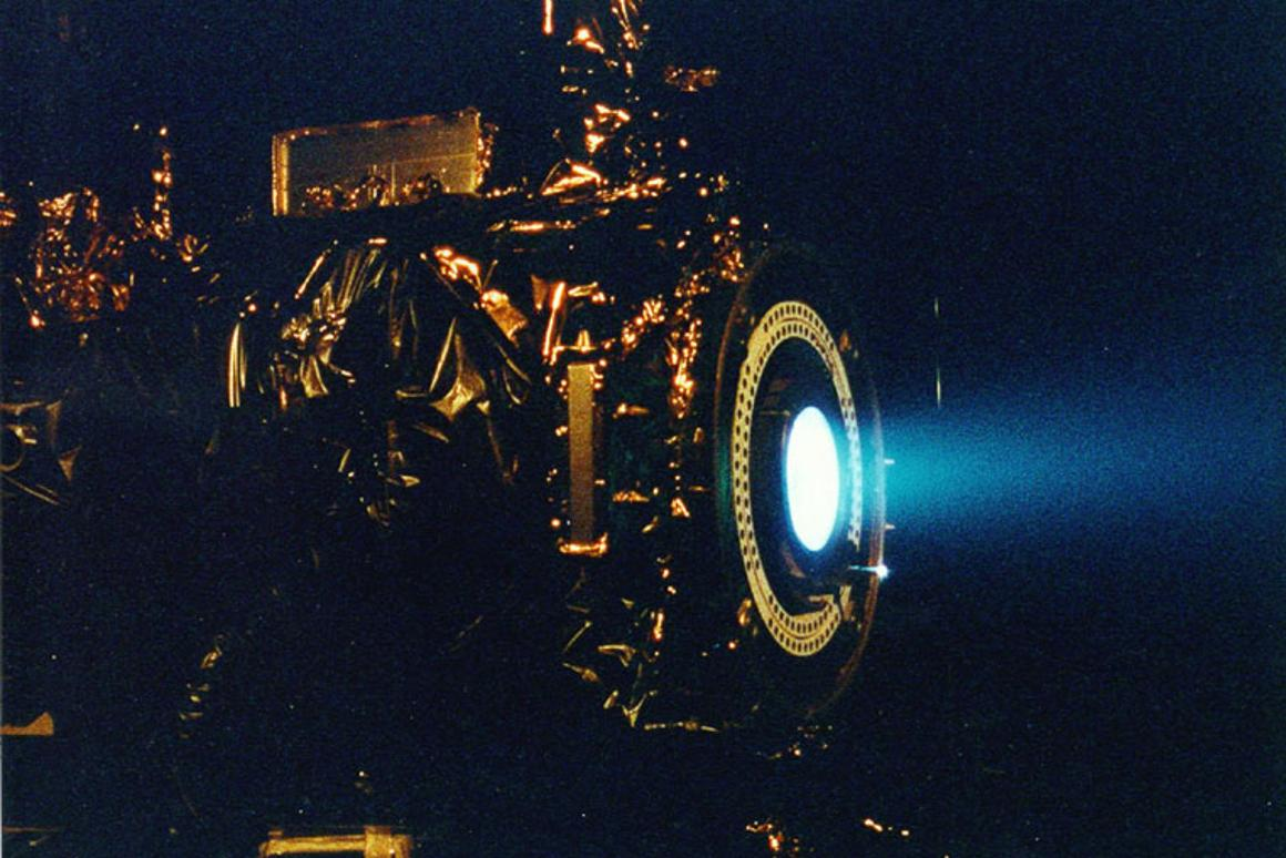 An ion engine test for Deep Space One (Photo: NASA/JPL)