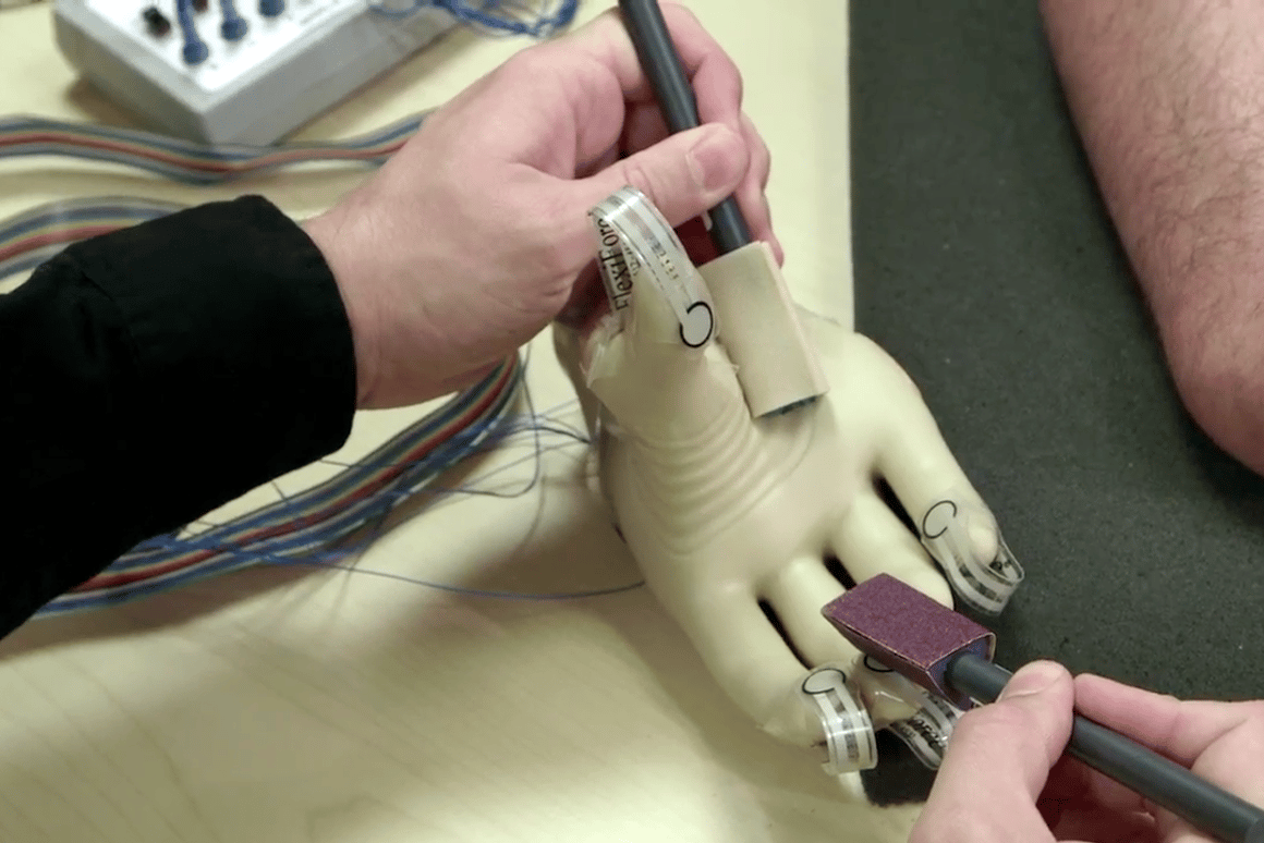 Researchers have developed a new prosthetic system that allows amputees to feel familiar sensations and textures (Photo: Case Western Reserve University)