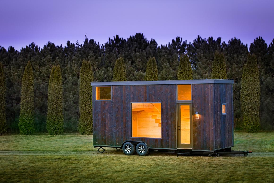 The Onecomprises a total floorspace of 276 sq ft (25.6 sq m)
