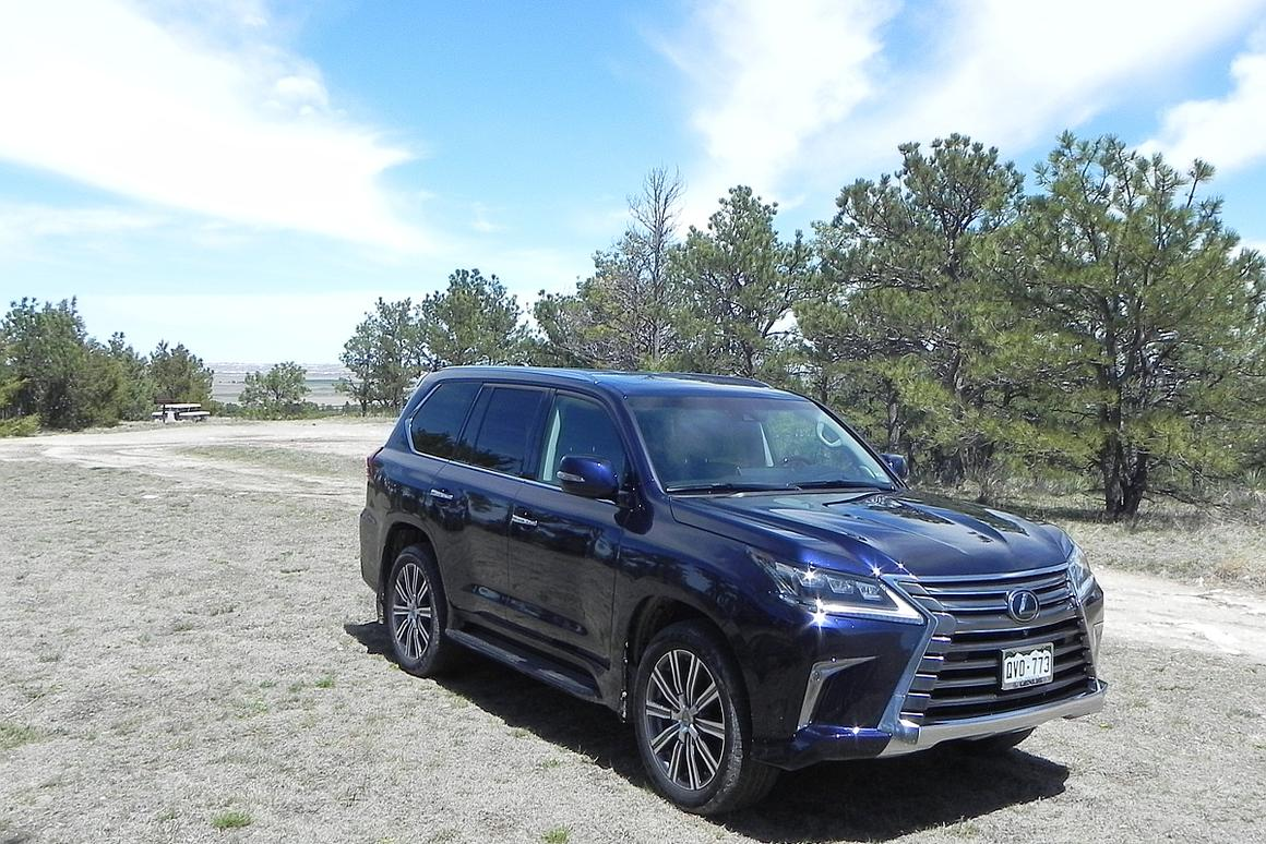 Most onlookers will note the extreme exterior makeover that the 2016 LX 570 received