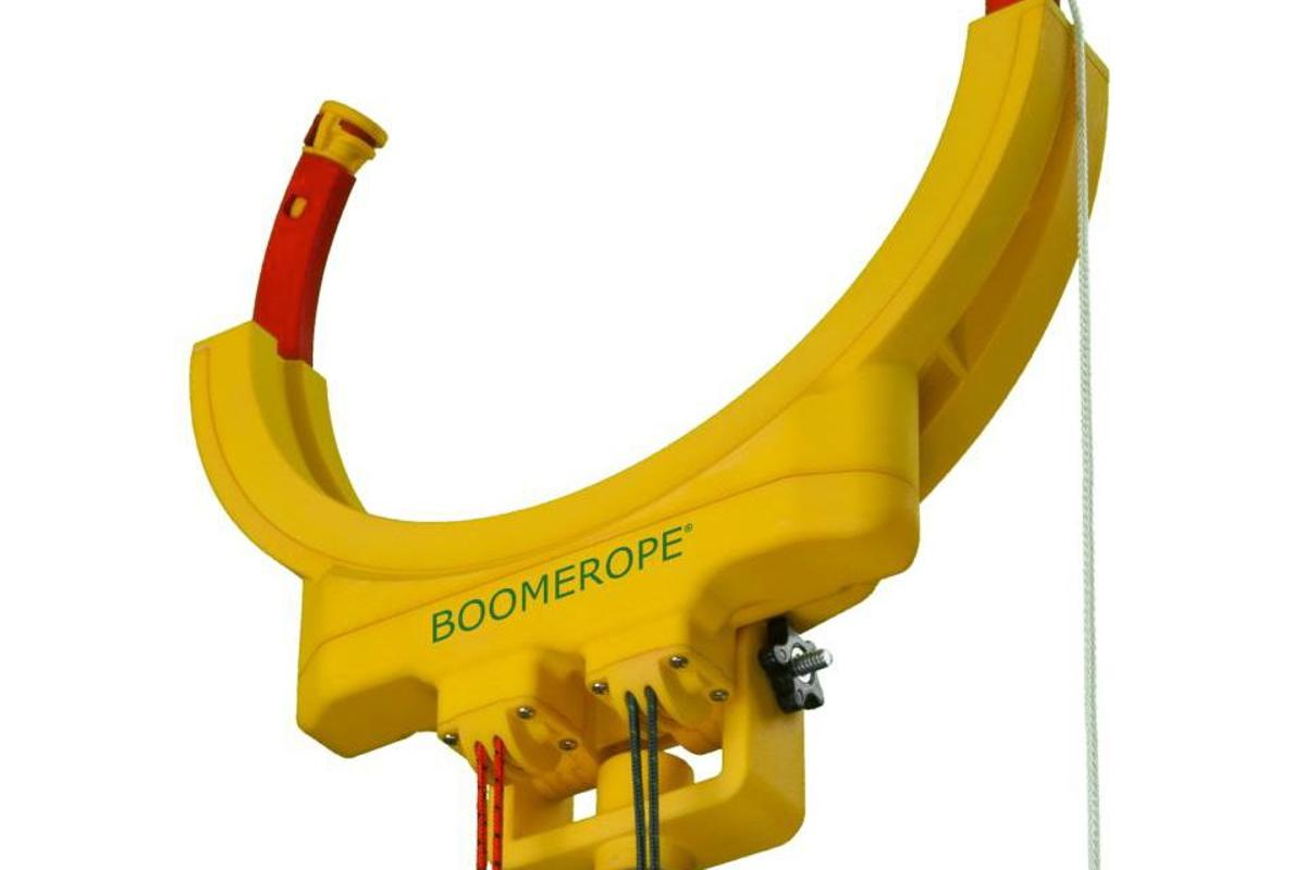 The Boomerope is a device that allows a ground-based user to pass ropes over high objects such as tree branches