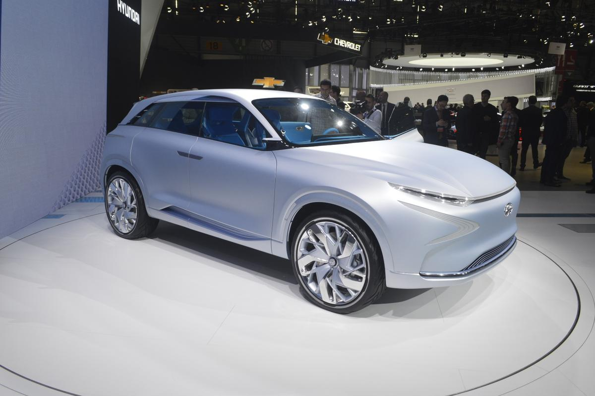 The FE Fuel Cell Concept shown in Geneva is meant to showcase the next-generation of the hydrogen fuel cell vehicles coming from Hyundai