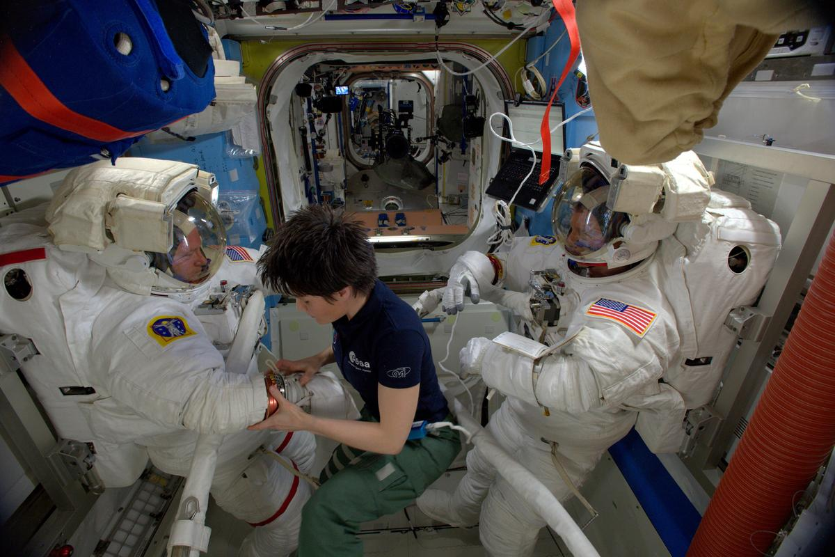 The tests took place in the Quest airlock (Photo: ESA/NASA)