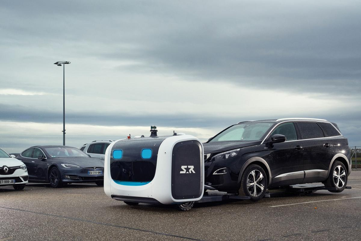 These cute valet parking robots make travel more convenient while making more efficient use of parking space. They're coming to Gatwick airport this August.