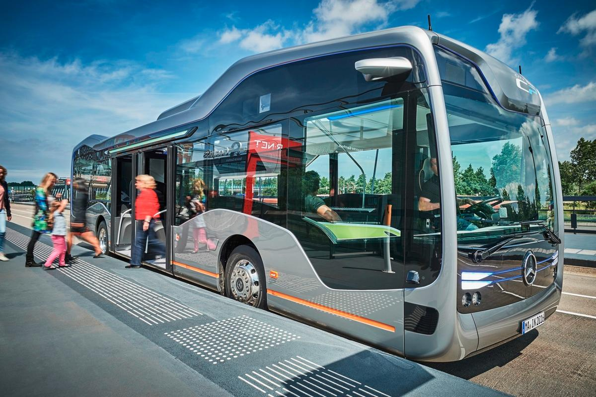 The Future Bus is based on Mercedes-Benz's 12-m (39-ft) long Citaro