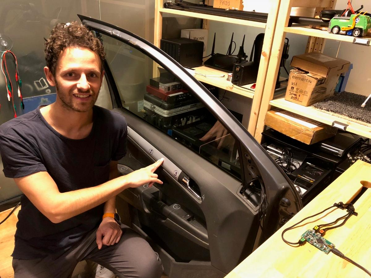 Bruno Zamborlin  demonstrates a HyperSurfaces-enabled car door, where taps, touches and knocks are registered by vibration sensors and transformed into actions by AI algorithms running of a standalone system-on-chip