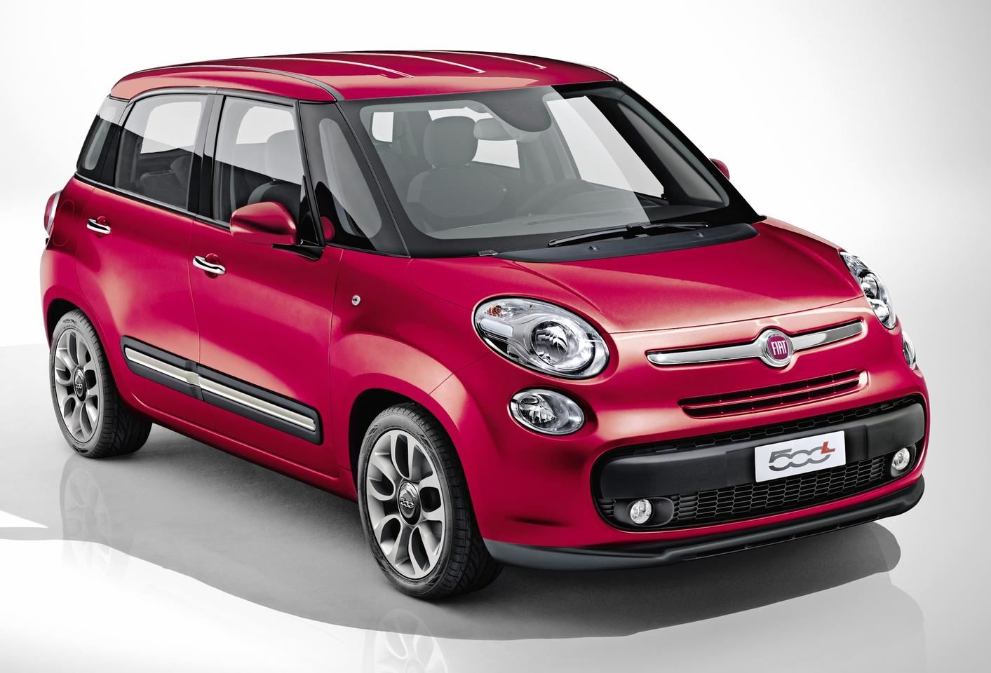 Fiat's new 500L will debut at the Geneva Motor Show in March and will hit European markets in late 2012, with a choice of two petrol engines and the 1.3 liter MultiJet II turbodiesel engine.