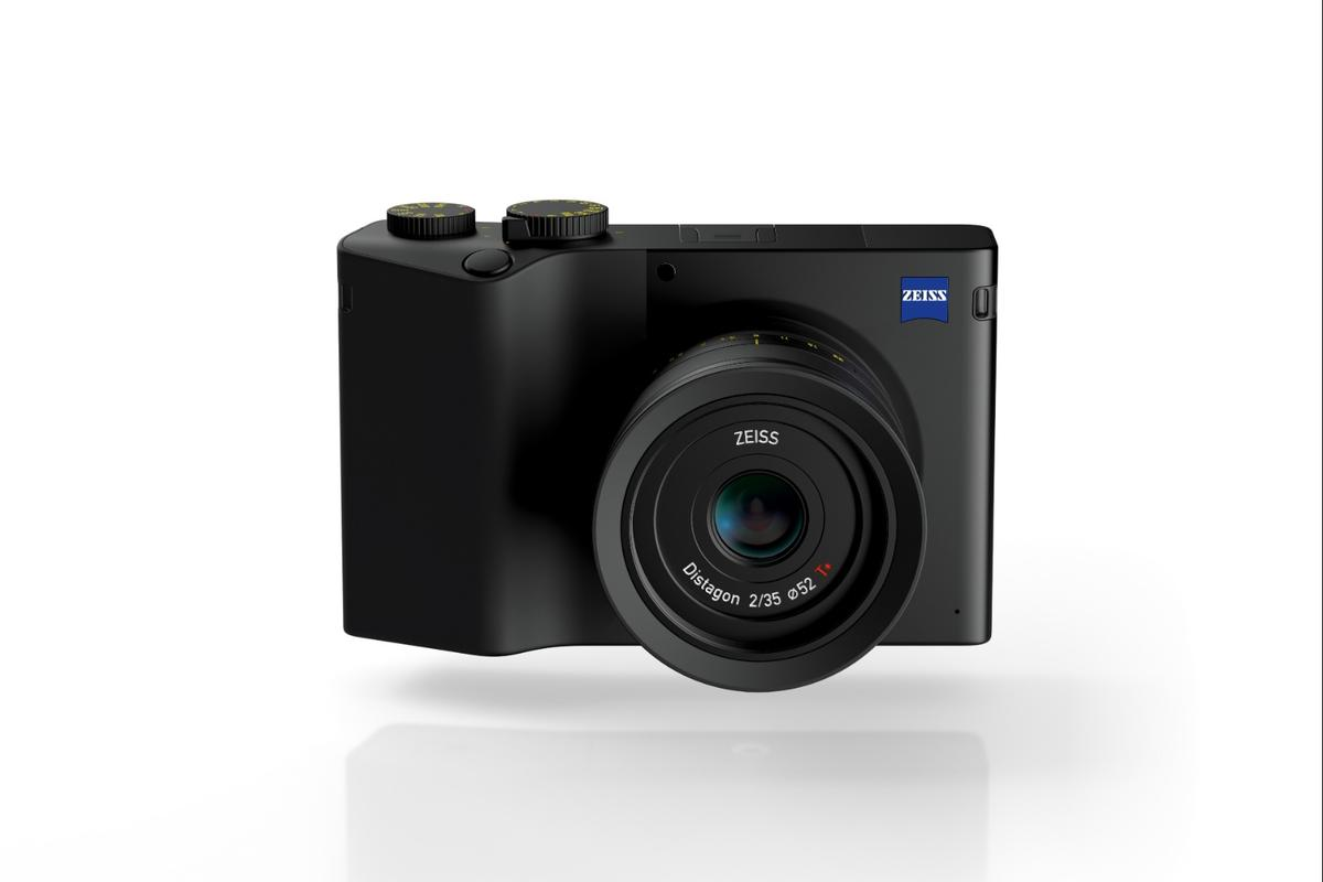 The Zeiss ZX1 features a brand newDistagon 35 mm F2 T lens and the company's own 37.4 MP full-frame image sensor