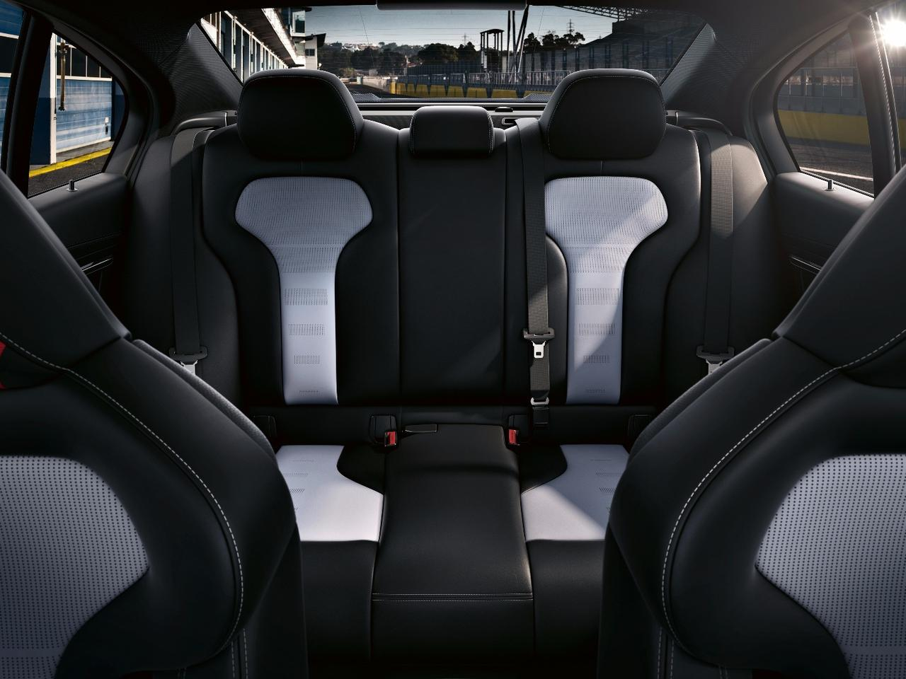 The interior continues the well-balanced blend of luxury and sportiness with extensive use of leather and Alcantara in two-tone silverstone and black