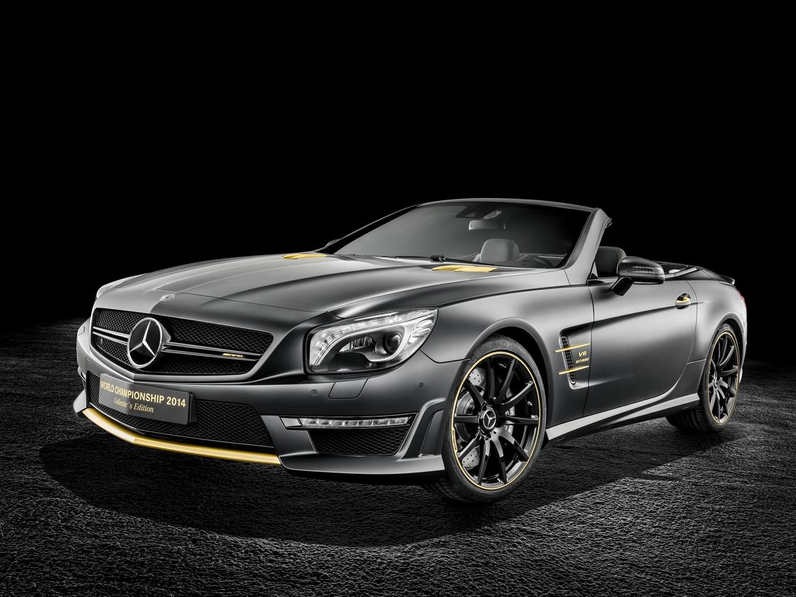 Lewis Hamilton's SL is finished in black and gold
