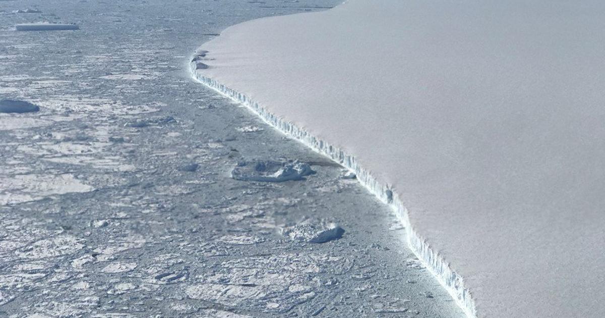 Satellites show huge Antarctic iceberg drifted 1,000 km in three years