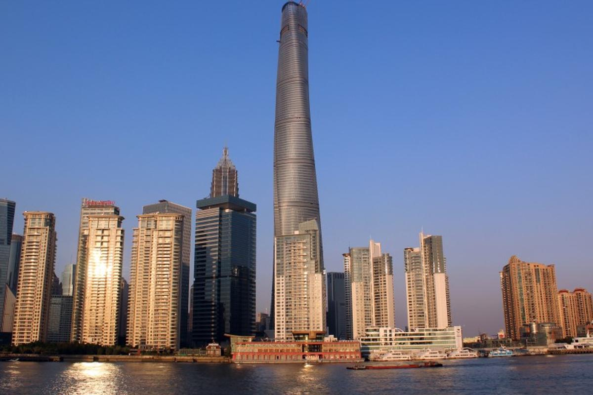 The tower features 128 floors and 420,000 sq m (4,520,842 sq ft) of floorspace