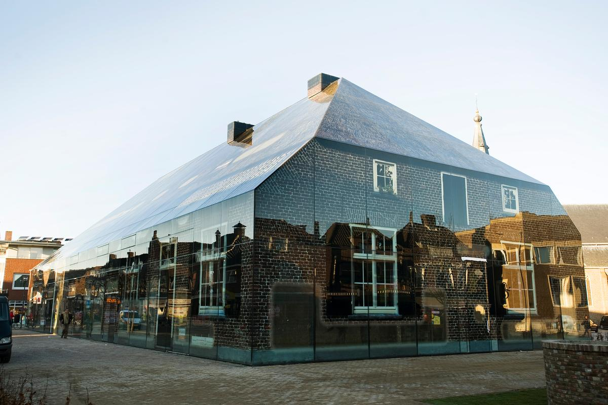 MVRDV's Glass Farm (Photo: Persbureau van Eijndhoven)