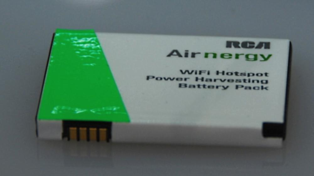 RCA is working on an Airnergy charger that can be integrated inside an OEM cell phone battery pack (Photo: OhGizmo)
