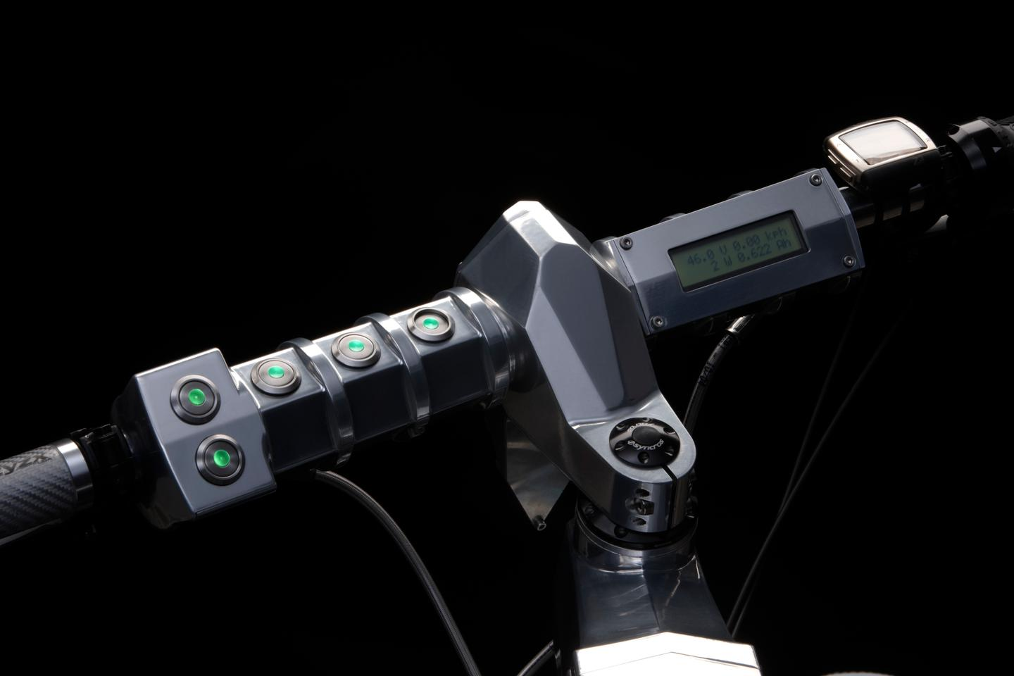 The Beast's cast and CNC-machined handlebar and stem, with ESI grips
