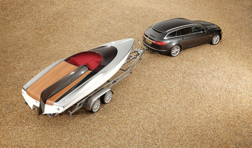 The Concept Speedboat was designed for the launch of the XF Sportbrake