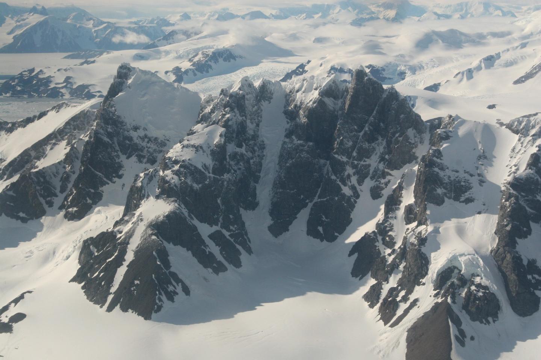 The Antarctic Peninsula from the air