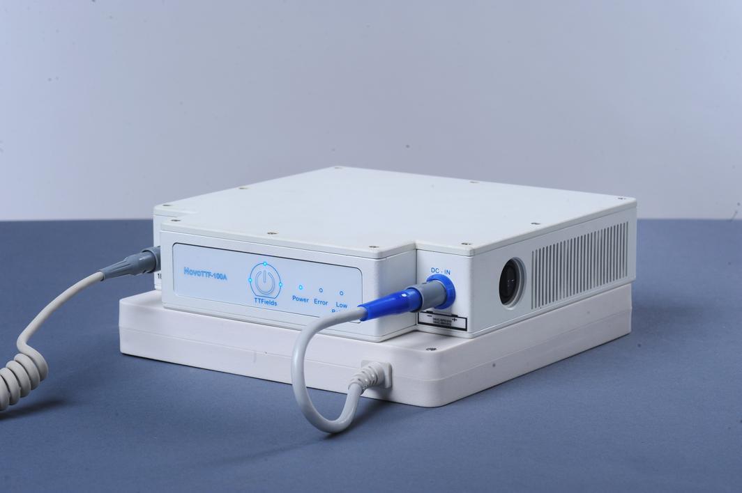 NovoTTF-100A device & battery