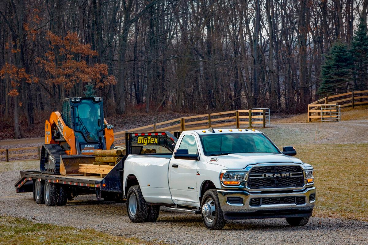 When equipped with the new 6.7-liter Cummins turbodiesel engine, the 2019 Ram Heavy Duty can pull up to 35,100 pounds