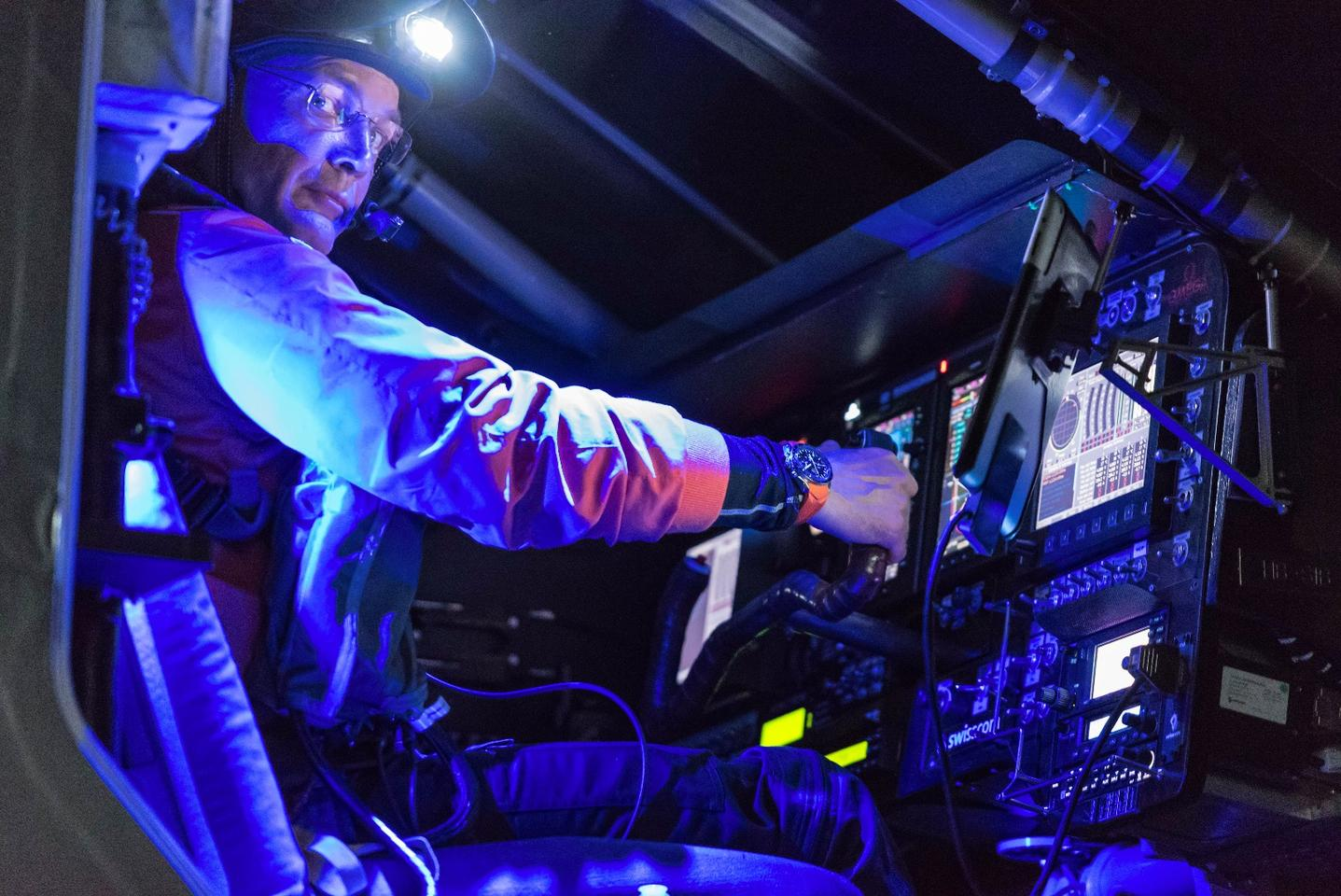 Bertrand Piccard performs a training flight with Solar Impulse 2 in Hawaii