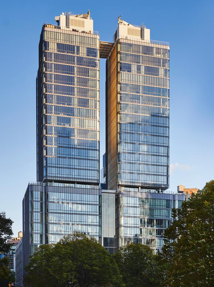 565 Broome Soho rises to a height of 88 m (288 ft)
