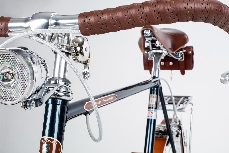 The Velocipede Fogliaverde bikes come complete with all equipment and accessories