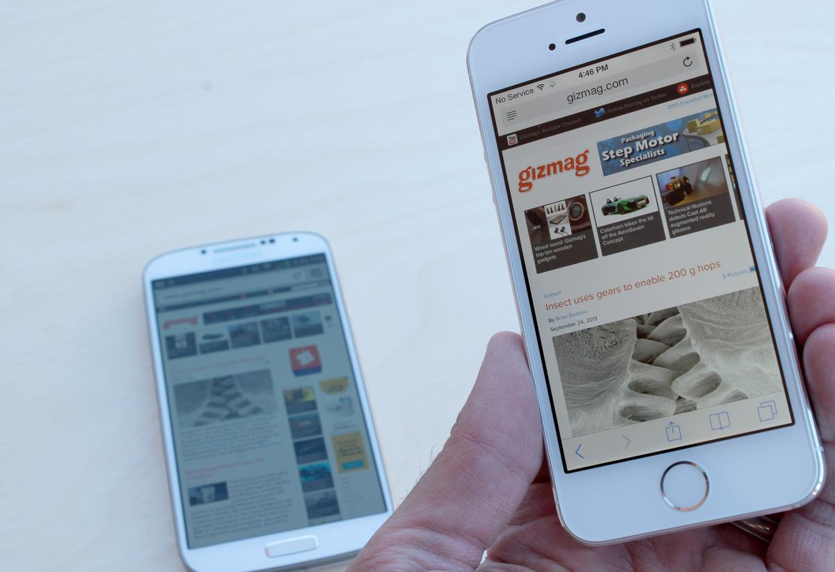 The iPhone 5s is 14 percent lighter than the GS4