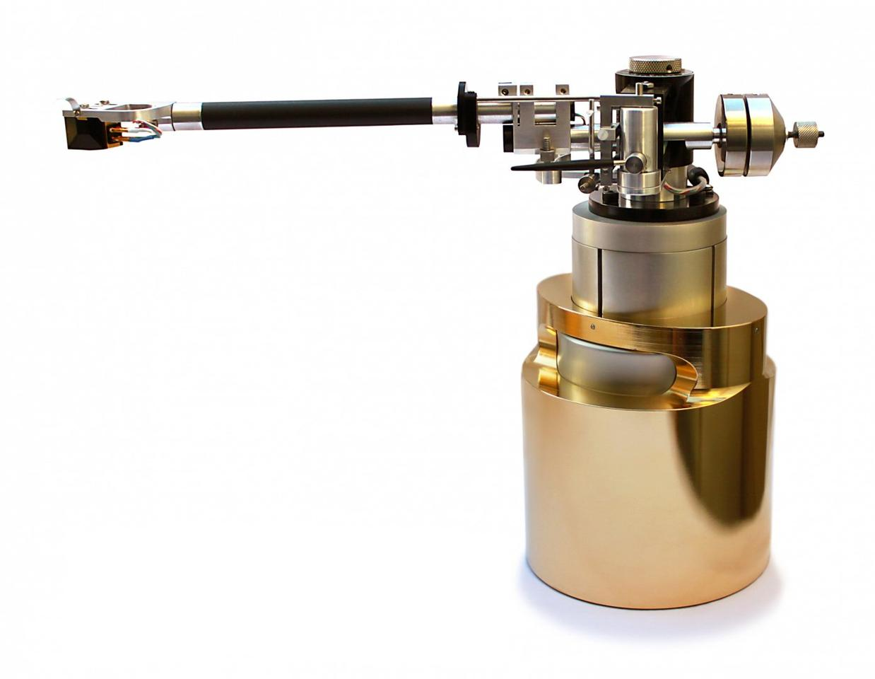 The system's tonearm tower will work with any tonearm/cartridge combination - shown here with a Tri-Planar Tonearm and Benz Micro LP cartridge (Photo: Onedof)