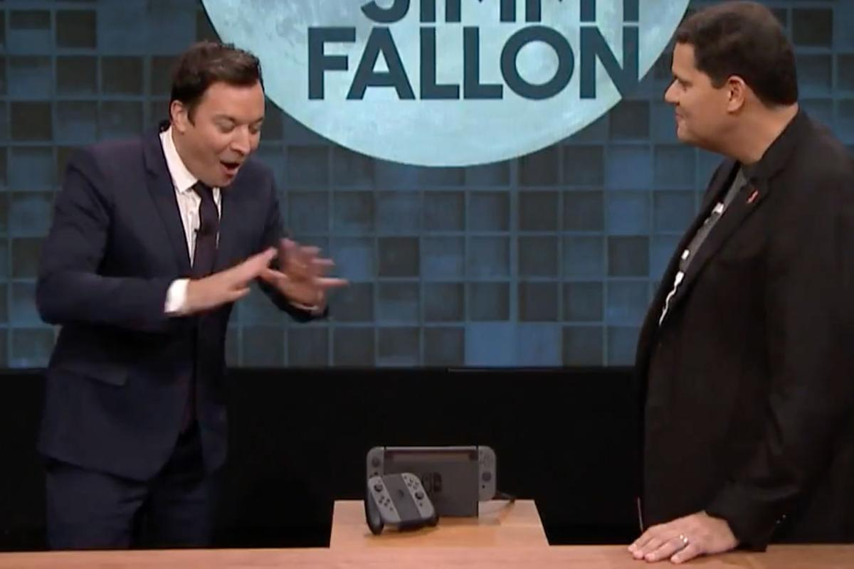 Jimmy Fallon get an up close look at the new Nintendo Switch