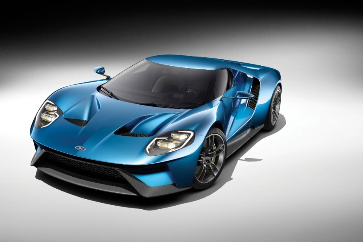 The newest Ford GT will have a windshield and engine cover made from Gorilla Glass