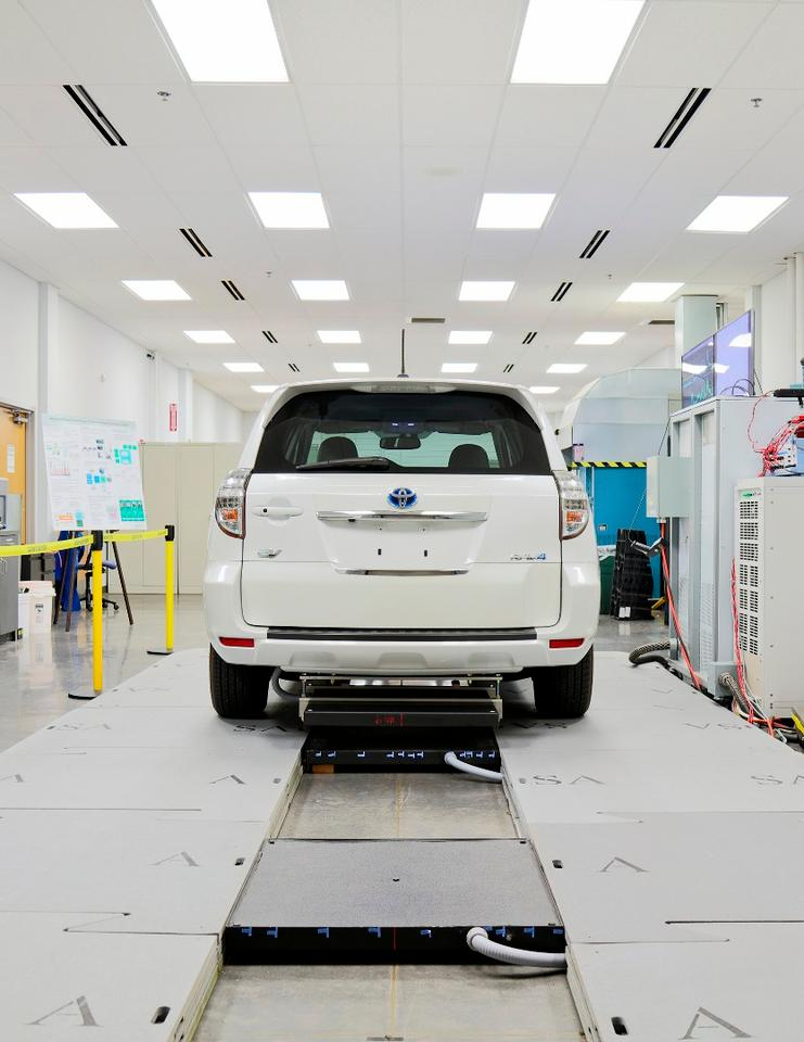 Oak Ridge researchers have demonstrated the 20 kW wireless car charging technology using an electric Toyota RAV4 equipped with an extra 10 kWh battery