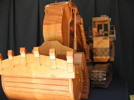 Woodchuck and Co studio has built a detailed wooden model of Caterpillar 5230B Excavator (Photo: Woodchuck and Co)
