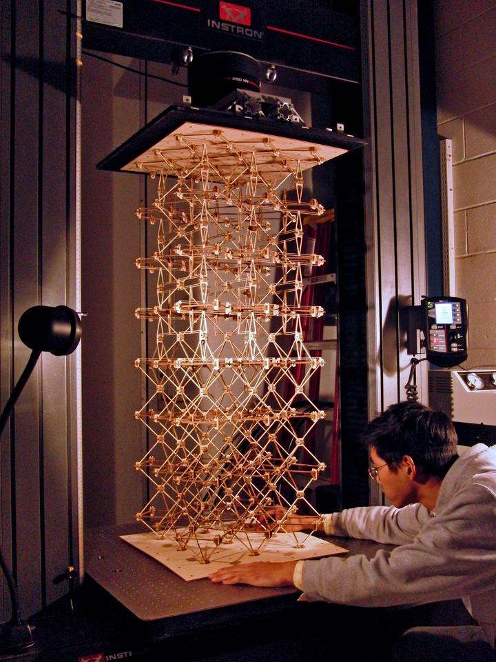A sample of cellular composite material is set in a load-testing machine to measure mechanical properties such as strength and stiffness(Photo: Kenneth Cheung)
