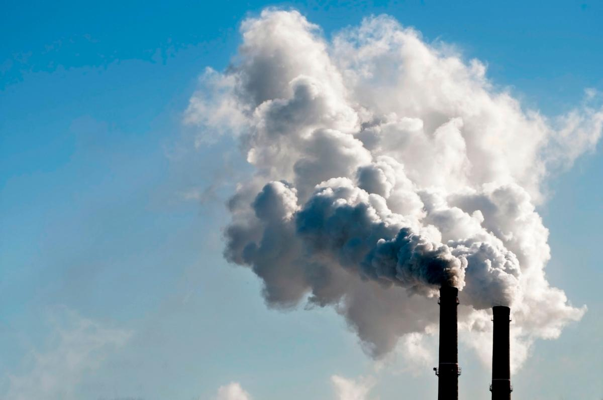 Scientists have developed anewdevice that can absorb CO2 and produce electricity and hydrogen fuel