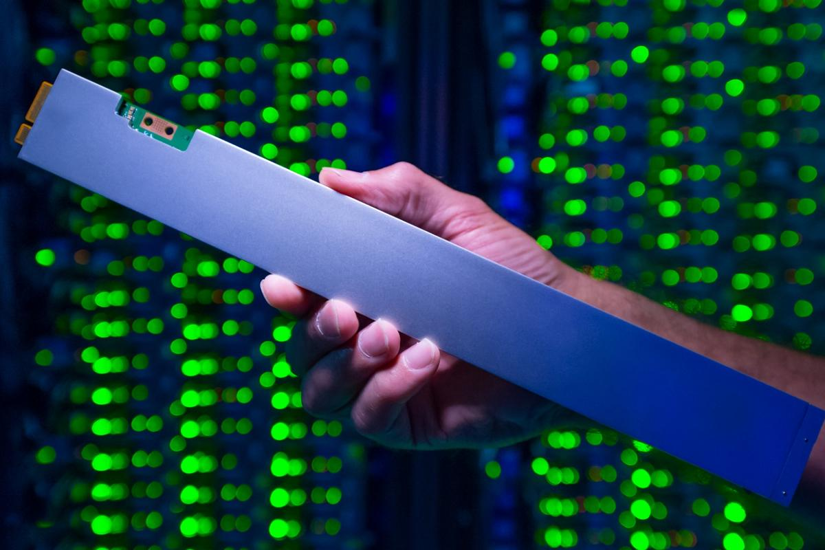 "Intel has unveiled the P4500, the world's densest SSD that crams 32 TB into a 12-inch ""ruler"" form factor"
