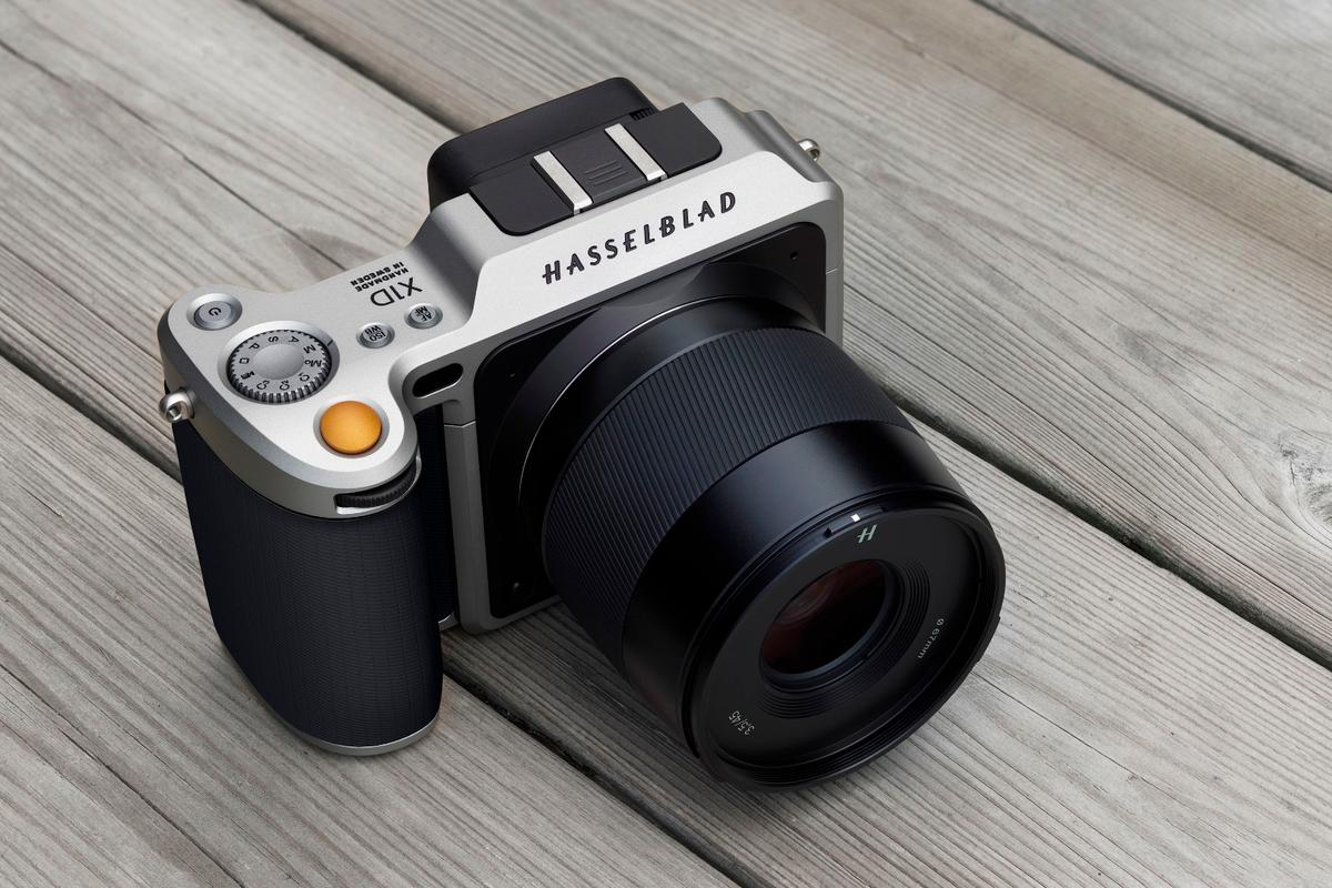 The Hasselblad X1D is acompact mirrorless medium format camera