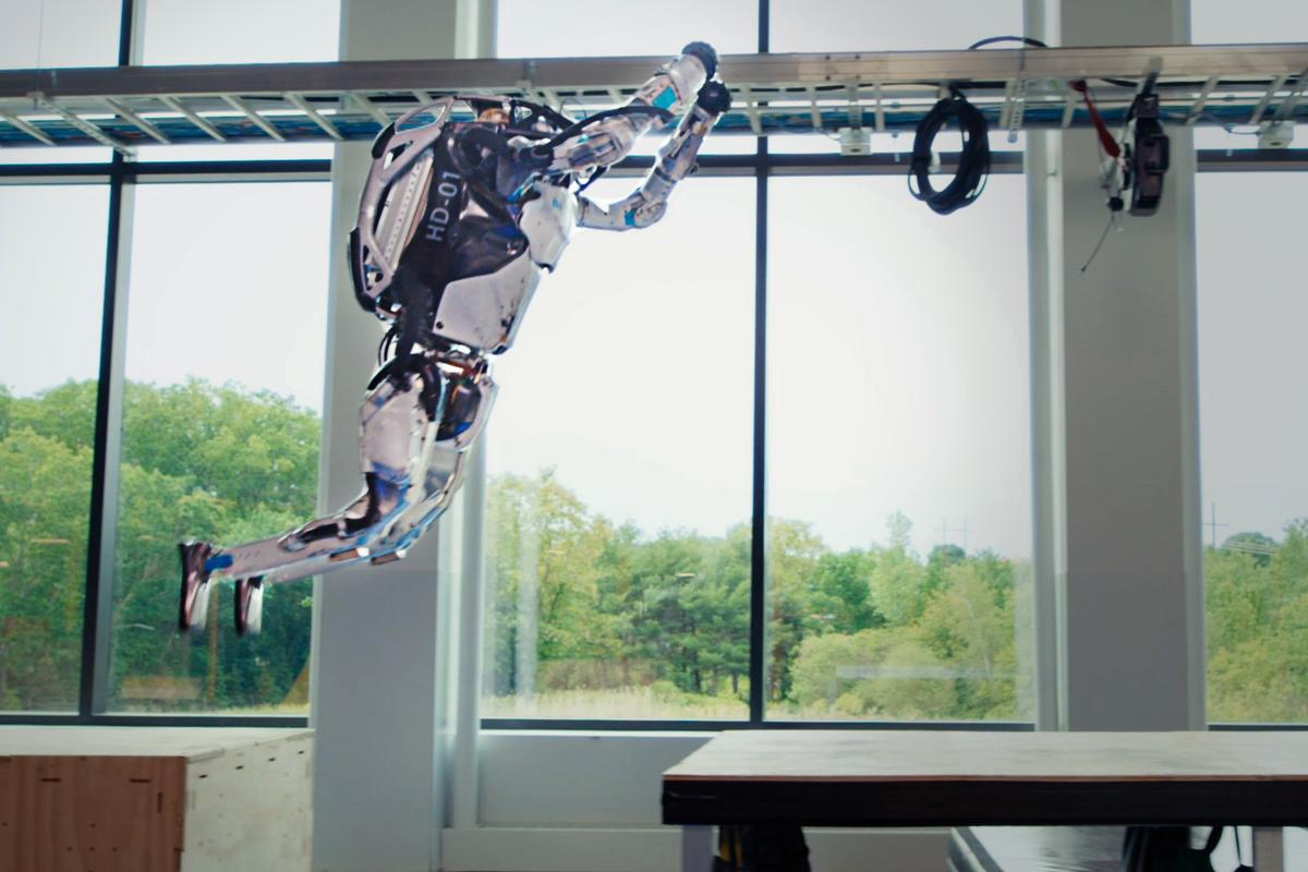 Two new videos offer the most complex Atlas parkour routine to date and take us behind the scenes of this influential robotics company