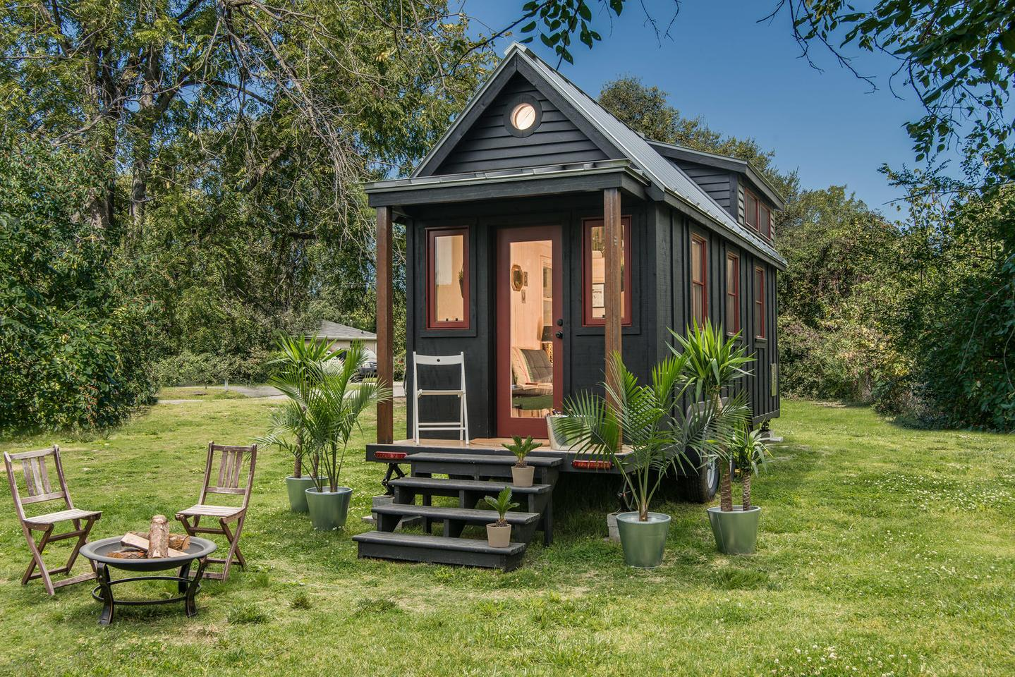 Nashville, Tennessee-based firm New Frontier Tiny Homes looked to Scandinavia for inspiration when designing its recently-completed Riverside tiny house